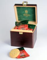EILLES Teegebäck Schatzkiste aus Holz mit 14 Stück Butter Shortbreads