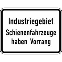 Modellbeispiel: VZ Nr. 1008-32, (Industriegebiet Schienenfahrzeuge haben Vorrang)
