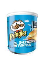 Pringles PopnGo Salt and Vinegar Crisps Unique Shape Well-seasoned Non-greasy Ref 7000273001 [Pack 12]