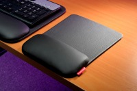 ErgoPad-Touch-leather mousepad with wristsupport